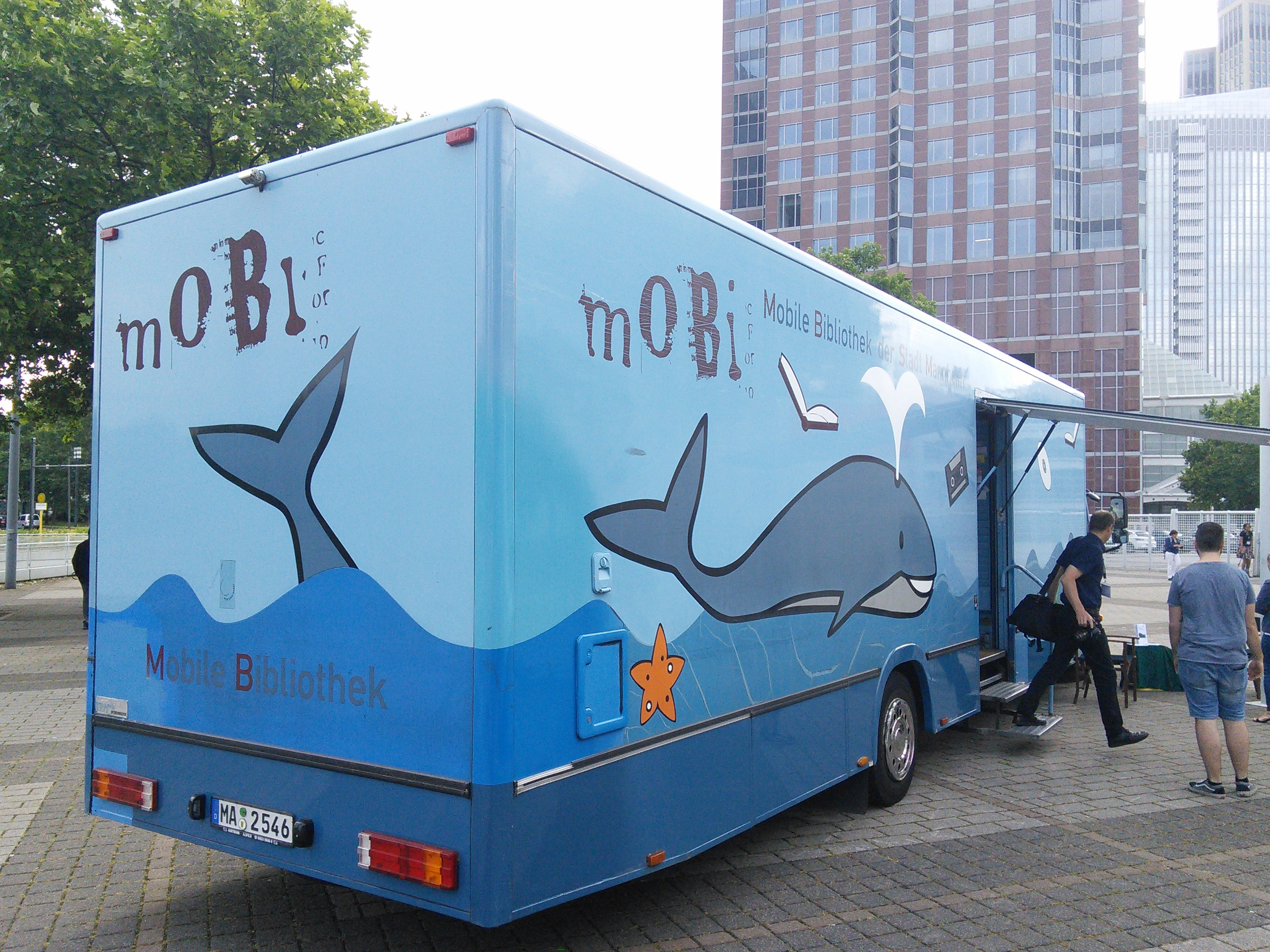 "Mobile Bibliothek Mannheim (""mobi"")"