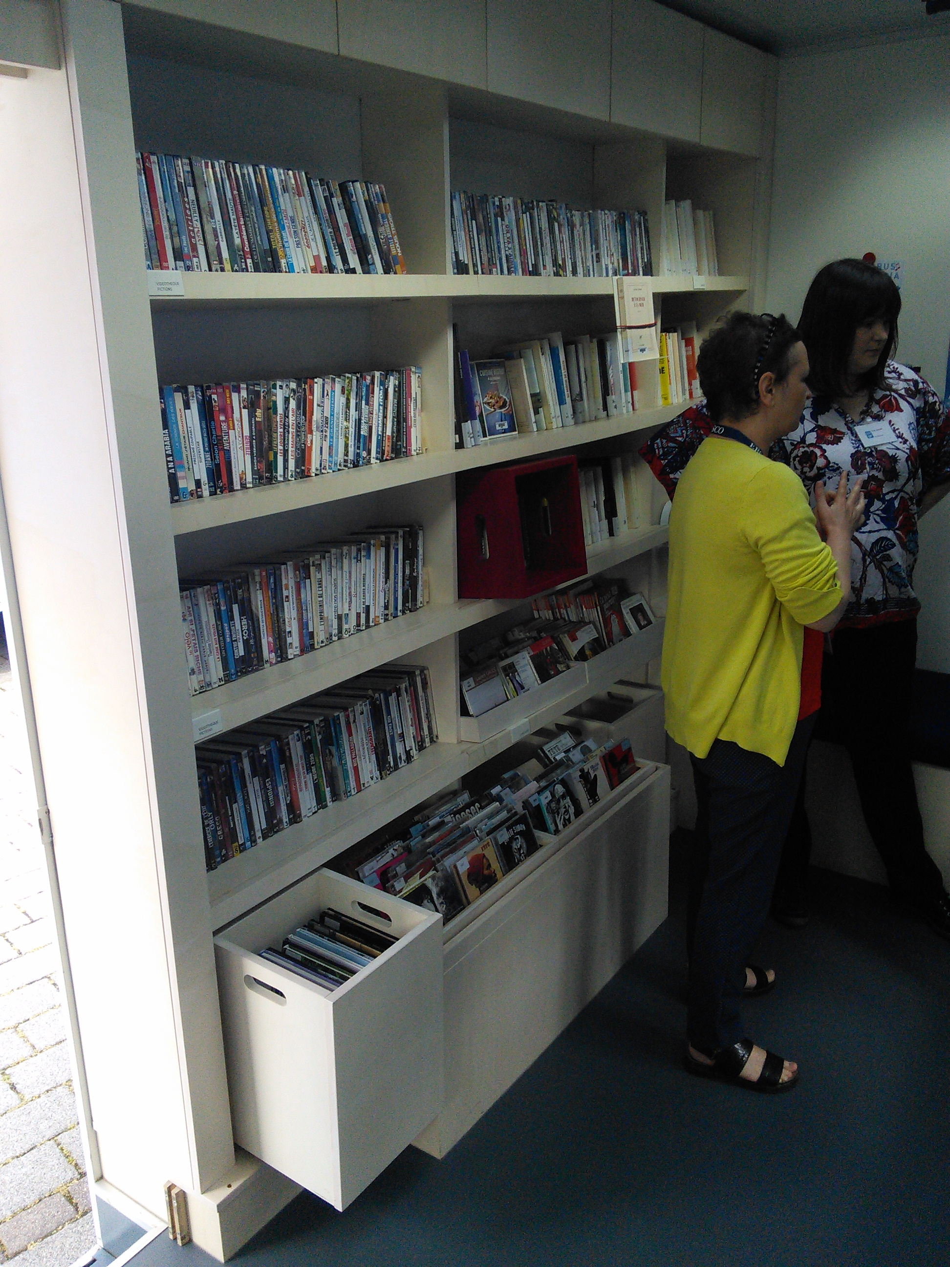 Bibliobus multimédia (Institut français Düsseldorf)