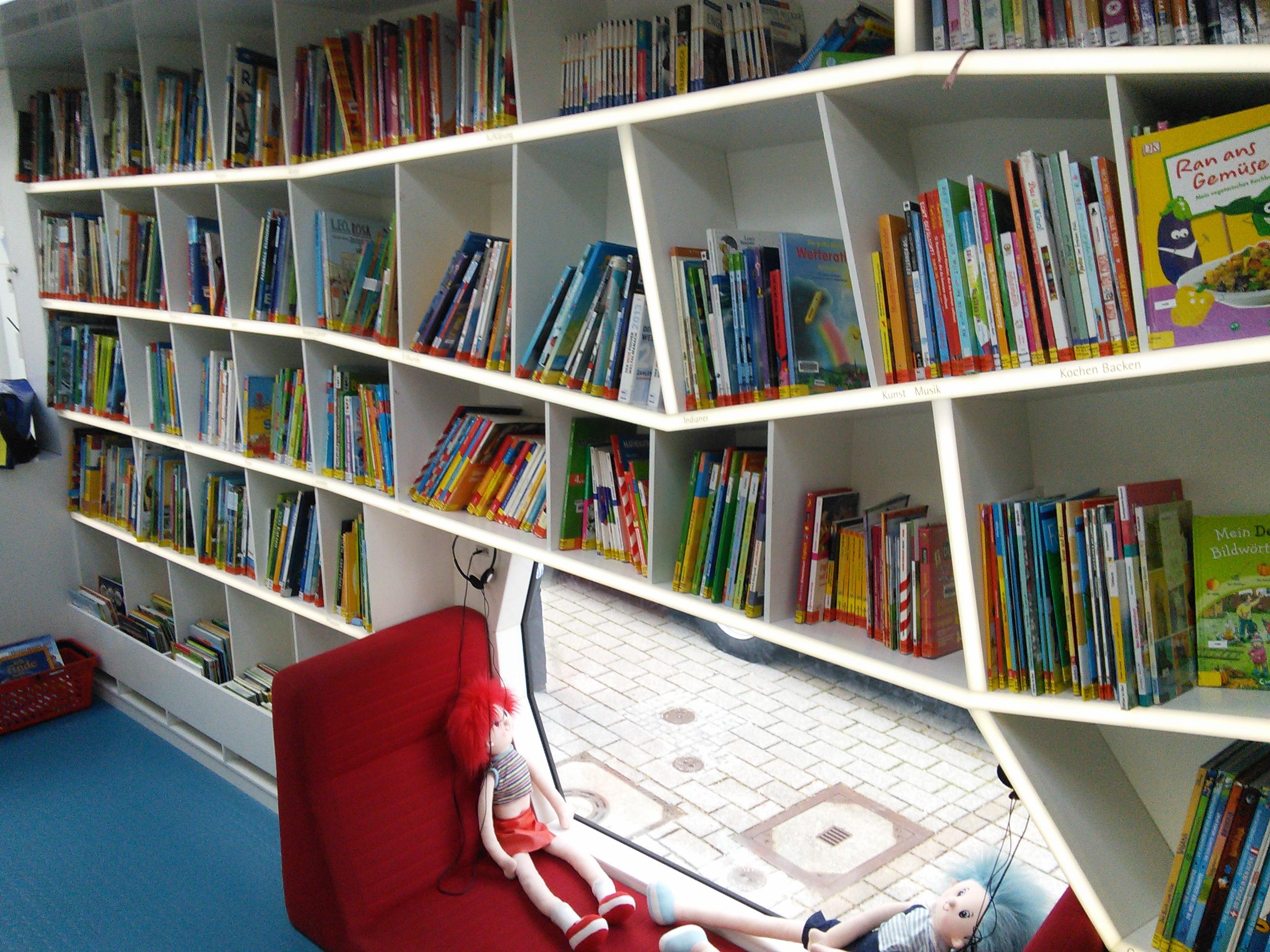 "Rollende Bibliothek Heilbronn (""robi"")"